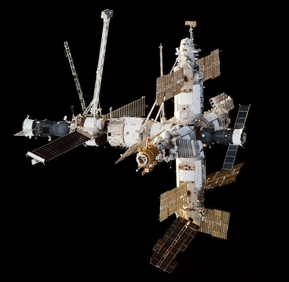 800px-mir_space_station_viewed_from_endeavour_during_sts-89