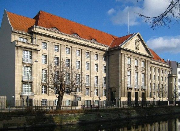 800px-berlin2c_tiergarten2c_reichpietschufer2c_bendler-block_02