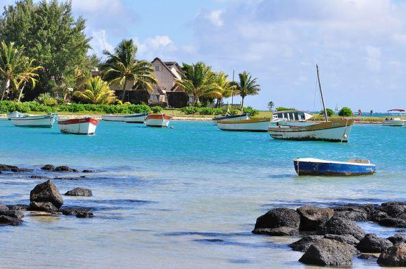 1024px-2011-06-26_09-16-48_mauritius_rivic3a8re_du_rempart_cap_malheureux