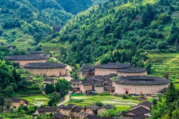 tulou-fujian-province-china-adapt-885-1